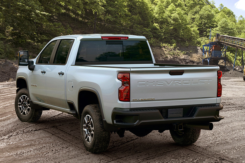 2020 Chevrolet Silverado HD: First Look featured image large thumb5