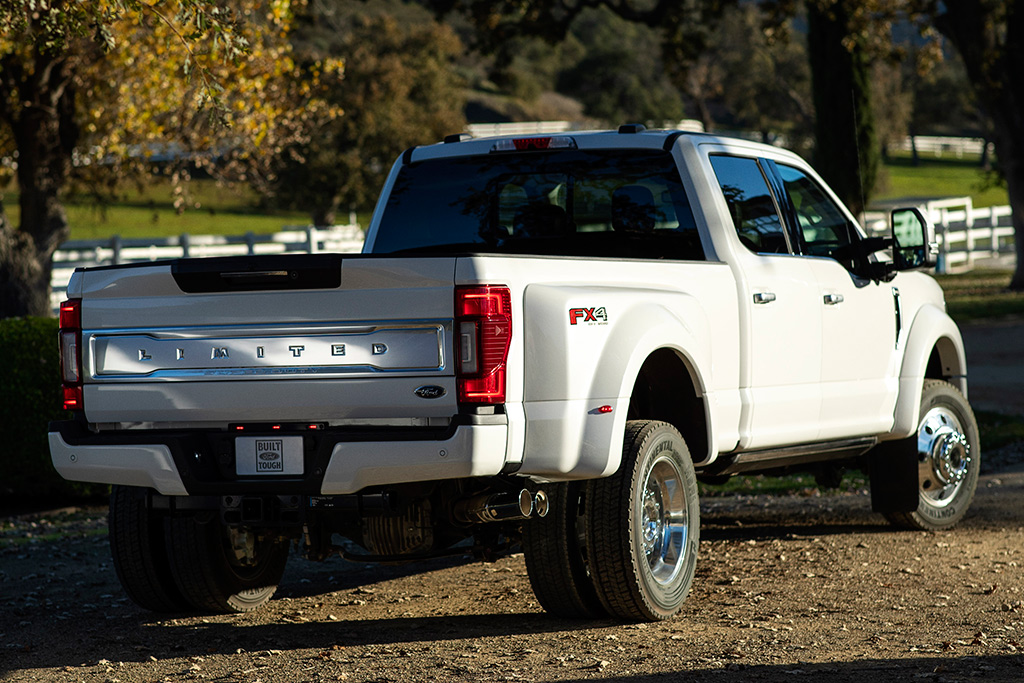 2020 Ford F-Series Super Duty: First Look featured image large thumb5