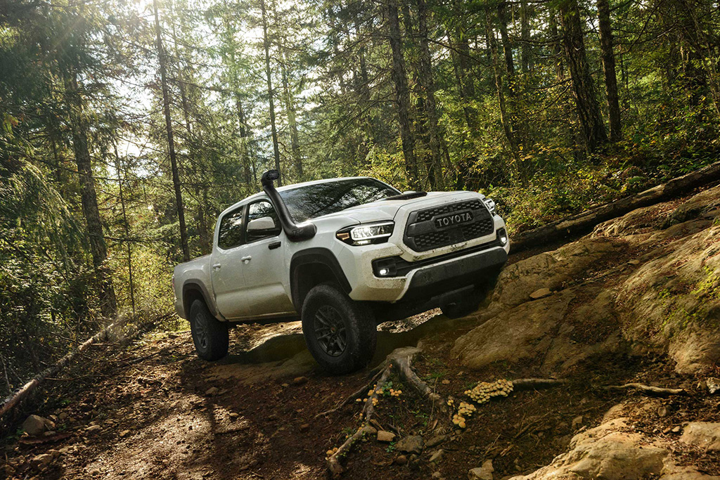 2020 Toyota TRD Pro Trucks: First Look featured image large thumb3