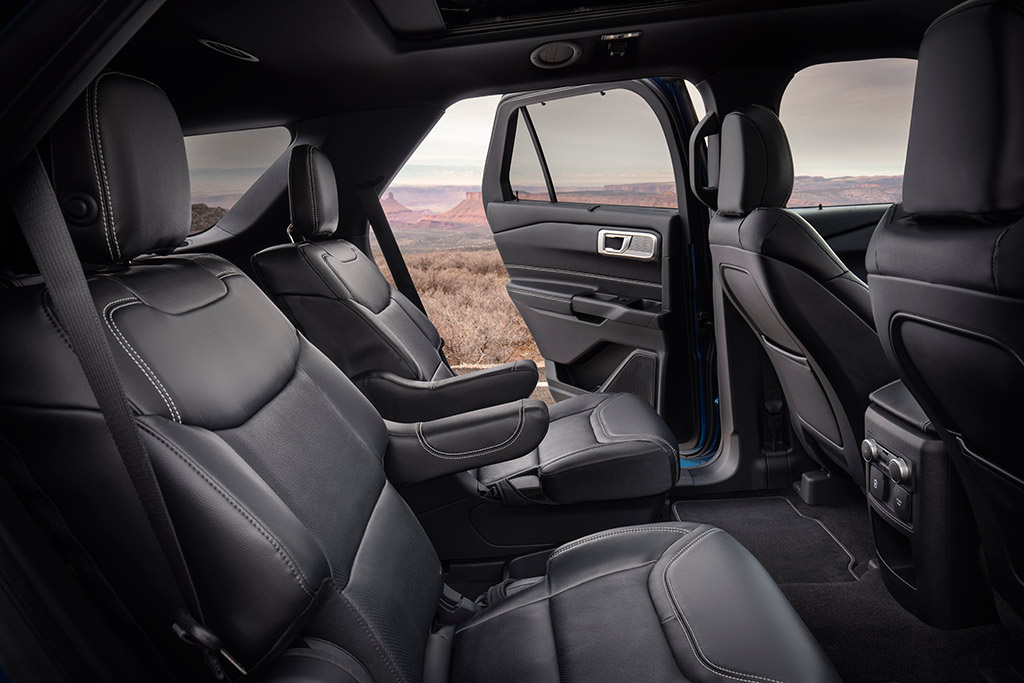 2020 Ford Explorer: First Look featured image large thumb6