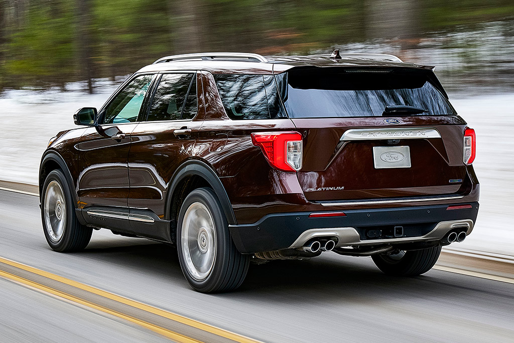 2020 Ford Explorer: First Look featured image large thumb2