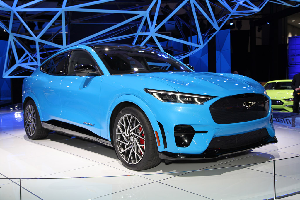 Top 5 Debuts at the 2019 LA Auto Show featured image large thumb1