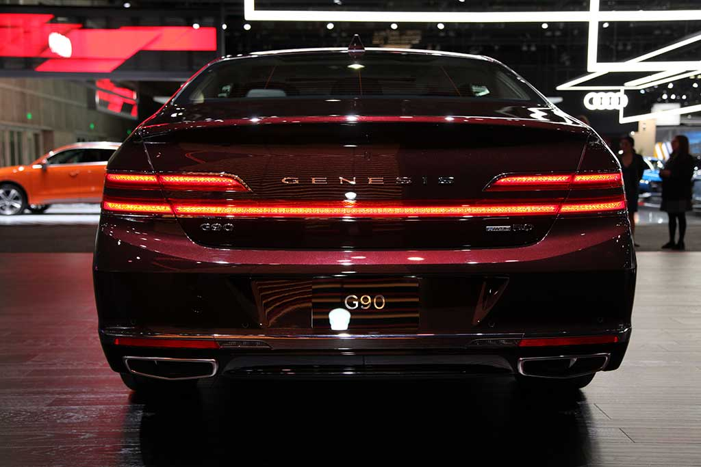 2020 Genesis G90: First Look featured image large thumb7