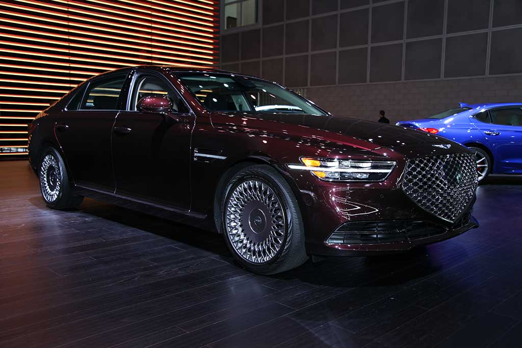 2020 Genesis G90: First Look featured image large thumb0