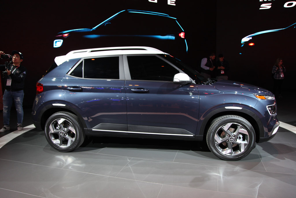 2020 Hyundai Venue: First Look featured image large thumb2