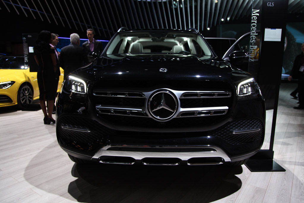 2020 Mercedes-Benz GLS-Class: First Look featured image large thumb1