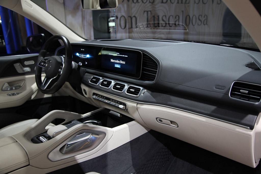 2020 Mercedes Benz Gls Class First Look Autotrader
