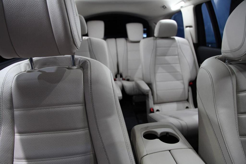 2020 Mercedes – Benz GLS New Engine, Price Updates >> 2020 Mercedes Benz Gls Class First Look Autotrader