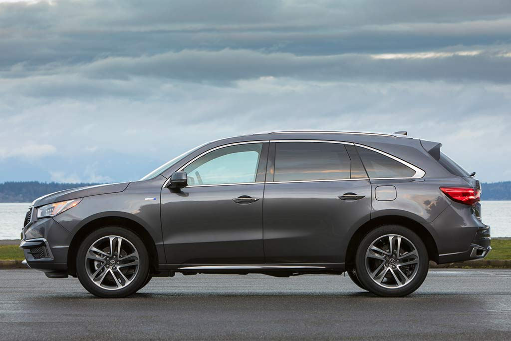 2018 Acura MDX Sport Hybrid: New Car Review featured image large thumb1