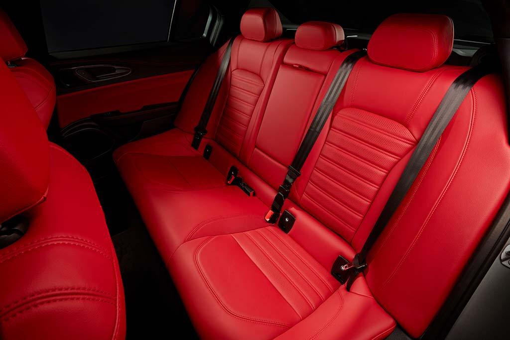 2020 Alfa Romeo Giulia Review featured image large thumb4