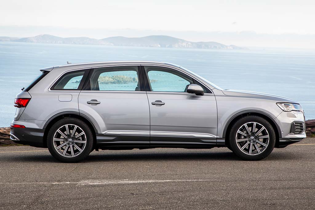 2020 Audi Q7 Review featured image large thumb4