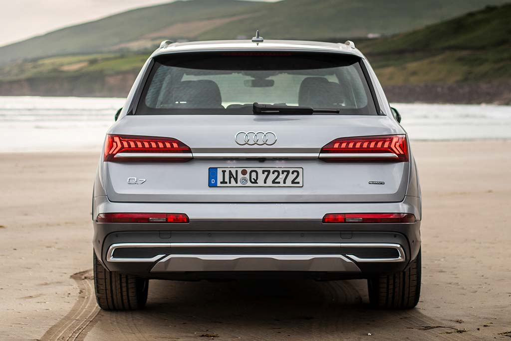2020 Audi Q7 Review featured image large thumb3