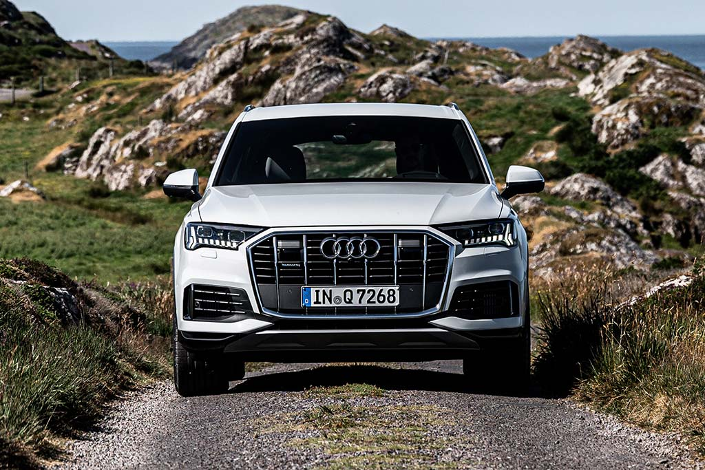 2020 Audi Q7 Review featured image large thumb0