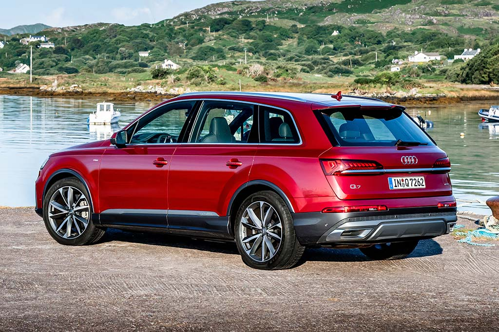 2020 Audi Q7 Review featured image large thumb2