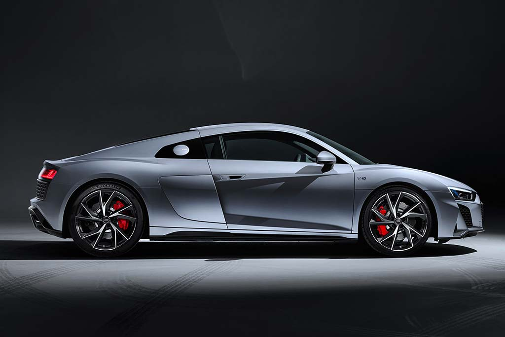 2020 Audi R8 Review featured image large thumb2