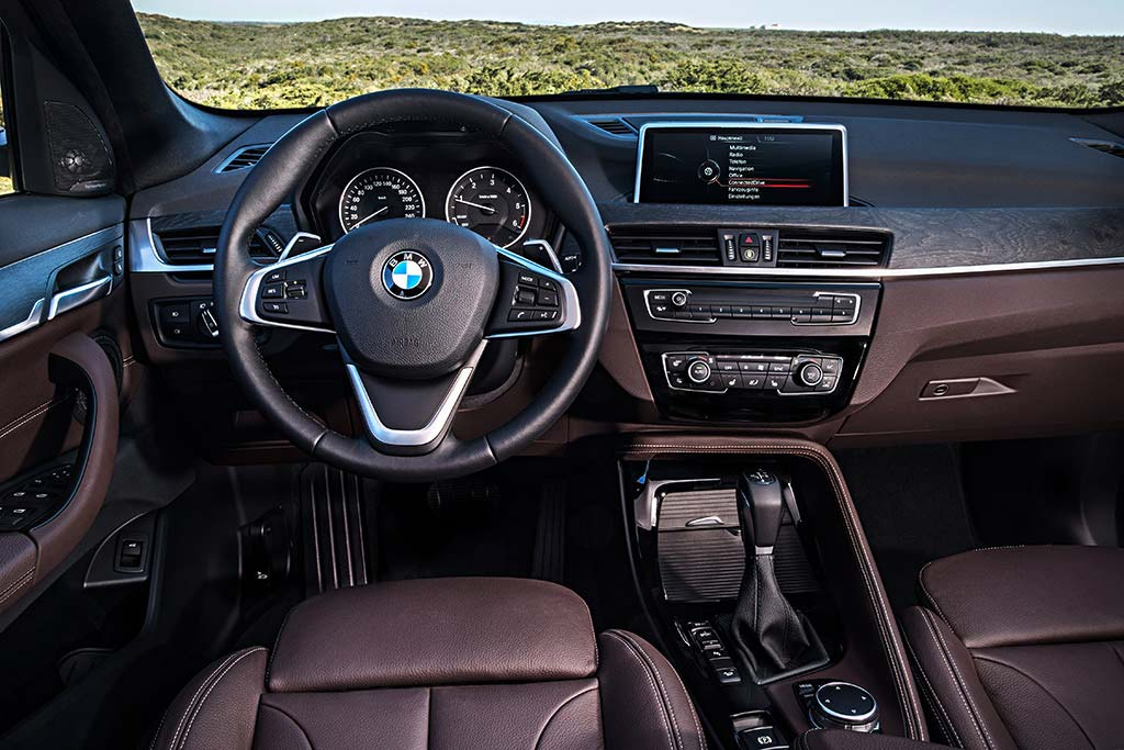 2020 BMW X1 Review featured image large thumb3