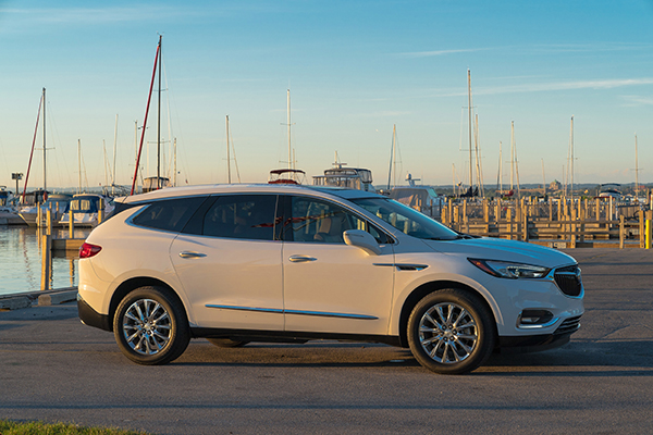 2019 Buick Enclave: New Car Review featured image large thumb2