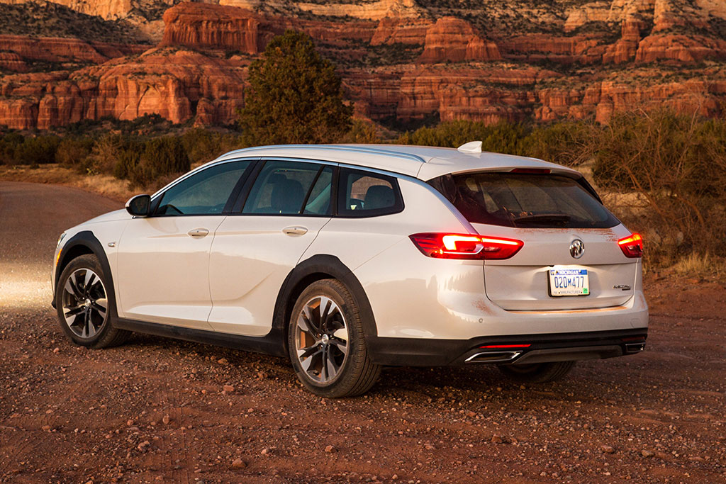 2019 Buick Regal TourX Review featured image large thumb3