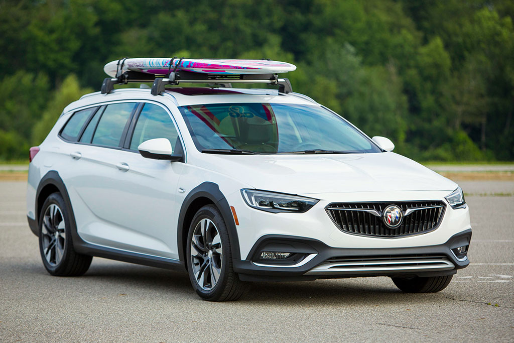 2019 Buick Regal TourX Review featured image large thumb1
