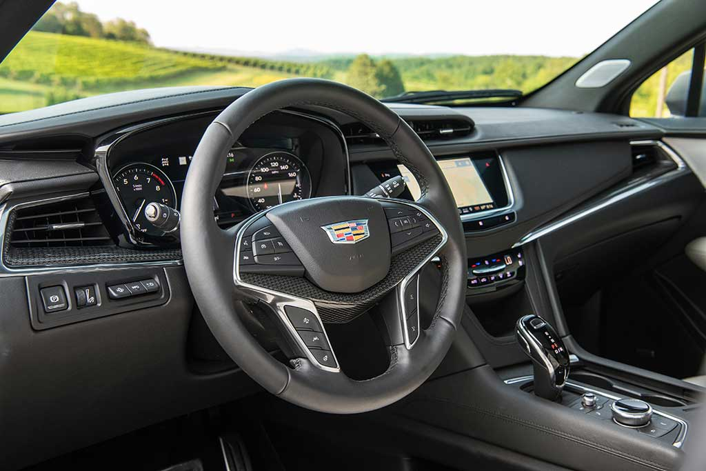 2020 Cadillac XT5 Review featured image large thumb2
