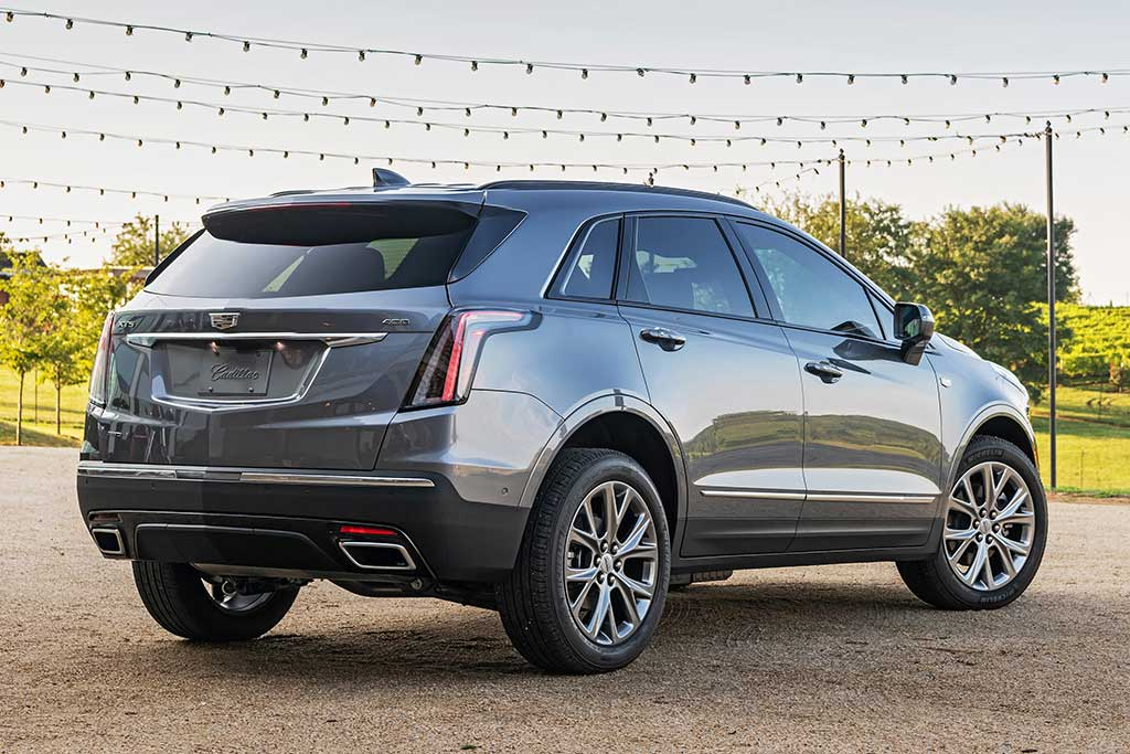 2020 Cadillac XT5 Review featured image large thumb1