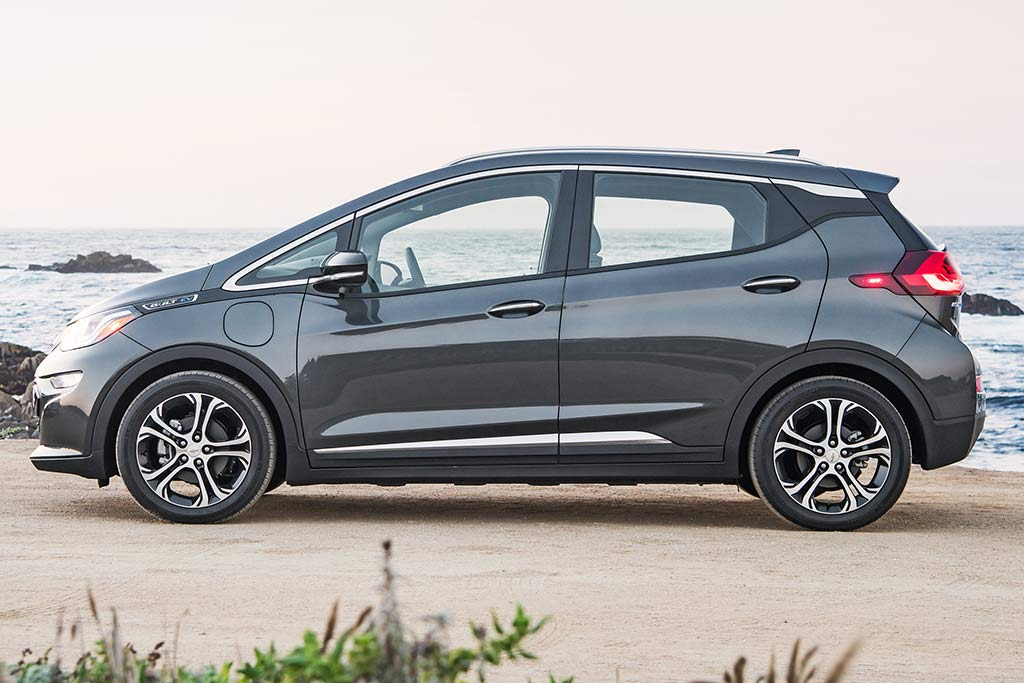 2019 Chevrolet Bolt: New Car Review featured image large thumb3