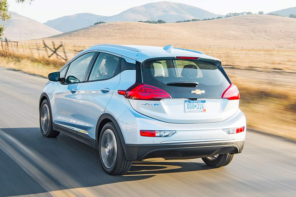 2019 Chevrolet Bolt: New Car Review featured image large thumb4