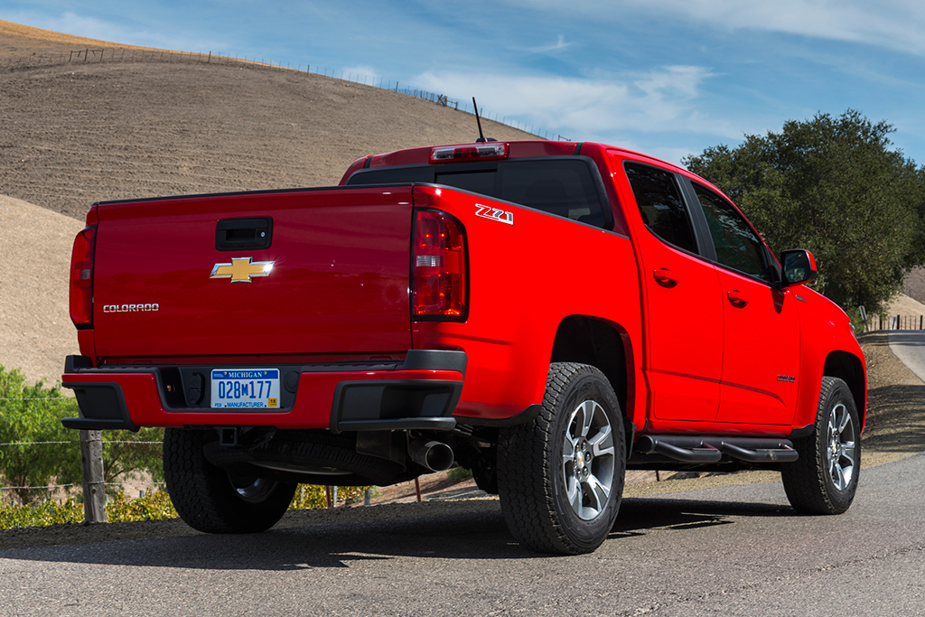 2016 Chevrolet Colorado: Used Car Review featured image large thumb1