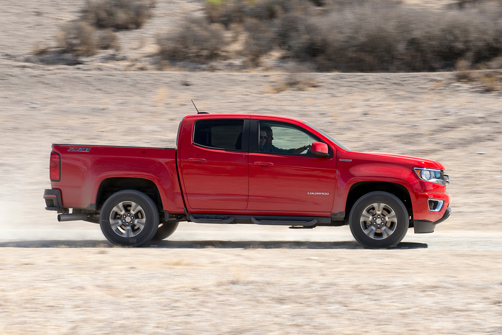2016 Chevrolet Colorado: Used Car Review featured image large thumb3