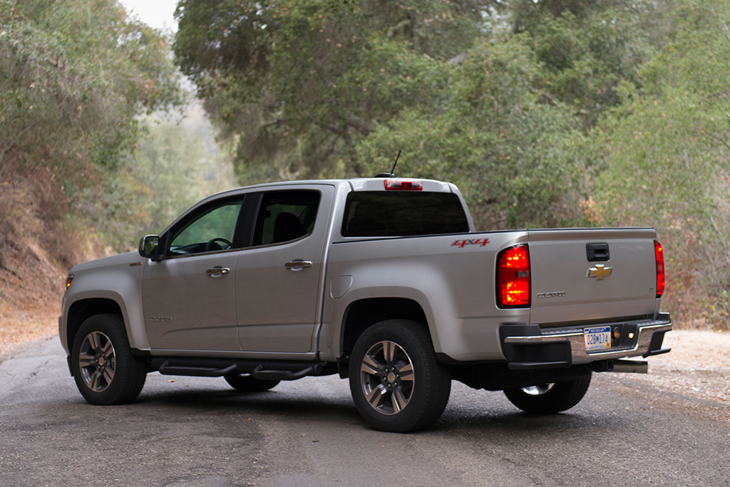 2016 Chevrolet Colorado: Used Car Review featured image large thumb4