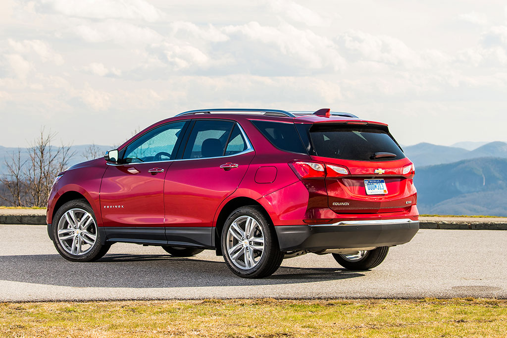 2019 Chevrolet Equinox Review featured image large thumb4