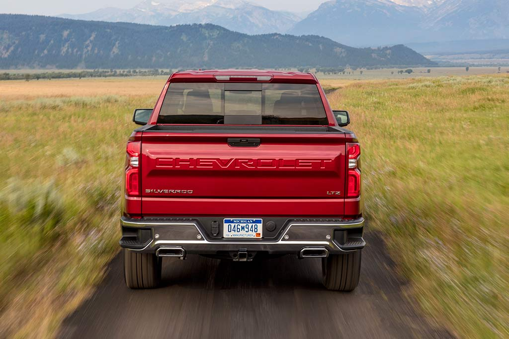 2019 Chevrolet Silverado: First Drive Review featured image large thumb6