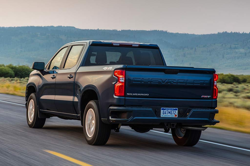 2019 Chevrolet Silverado: First Drive Review featured image large thumb2