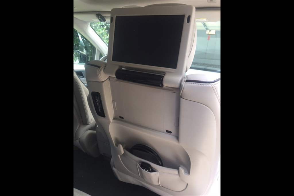 2018 Chrysler Pacifica Hybrid Ownership: Thoughts From a Minivan Novice featured image large thumb6
