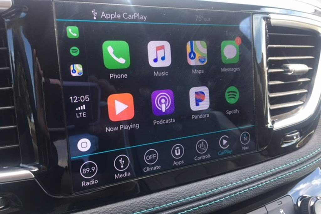 2018 Chrysler Pacifica Hybrid Ownership: Thoughts From a Minivan Novice featured image large thumb7