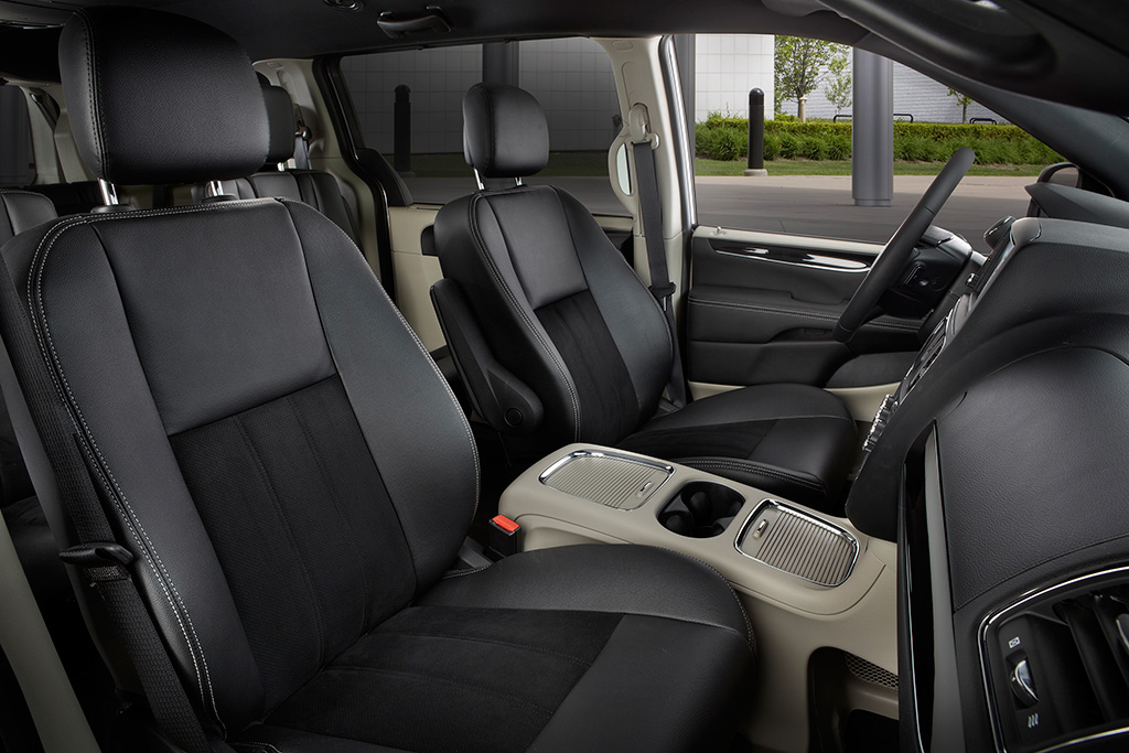 2018 Dodge Grand Caravan New Car Review Featured Image Large Thumb3