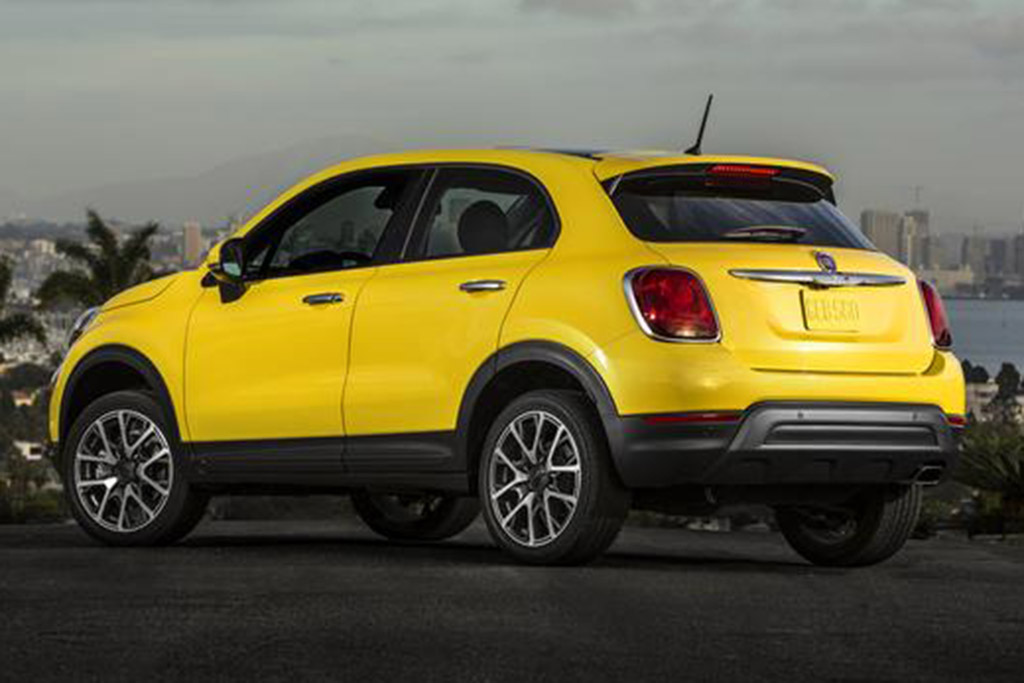2018 FIAT 500X: New Car Review featured image large thumb0