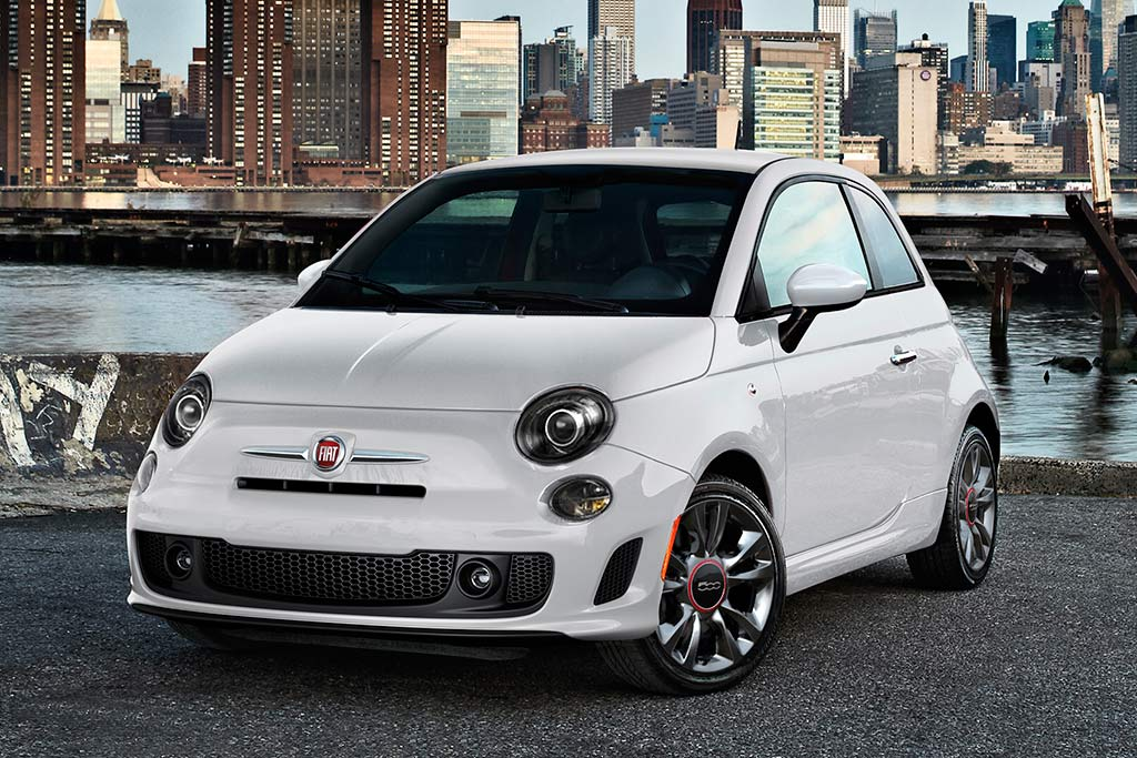 2019 fiat 500 new car review autotrader. Black Bedroom Furniture Sets. Home Design Ideas