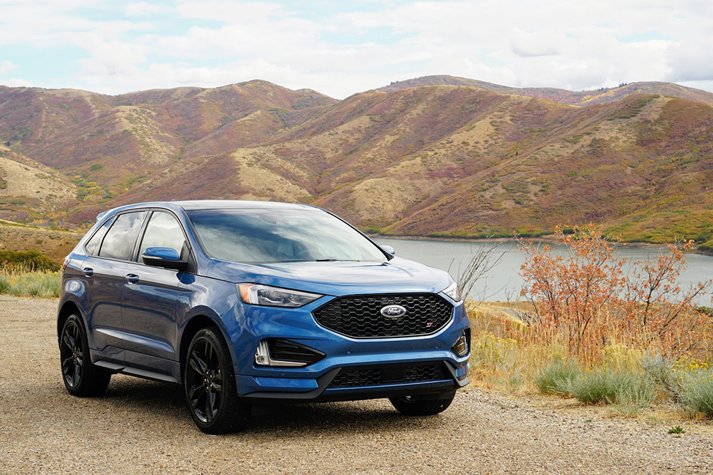 2019 Ford Edge ST: First Drive Review featured image large thumb0