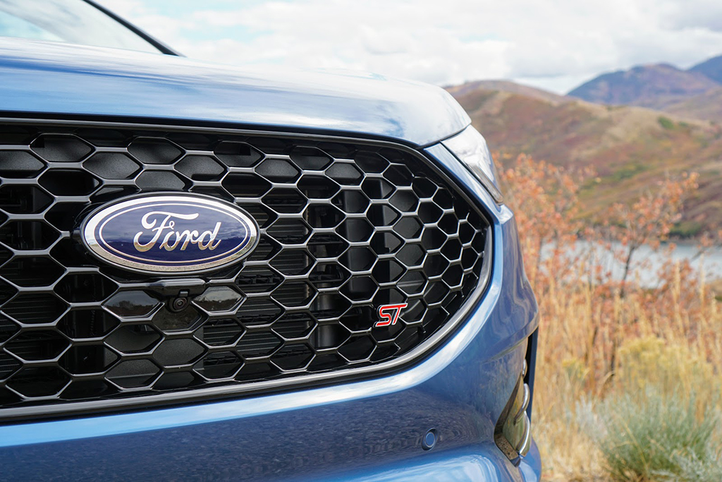 2019 Ford Edge ST: First Drive Review featured image large thumb1