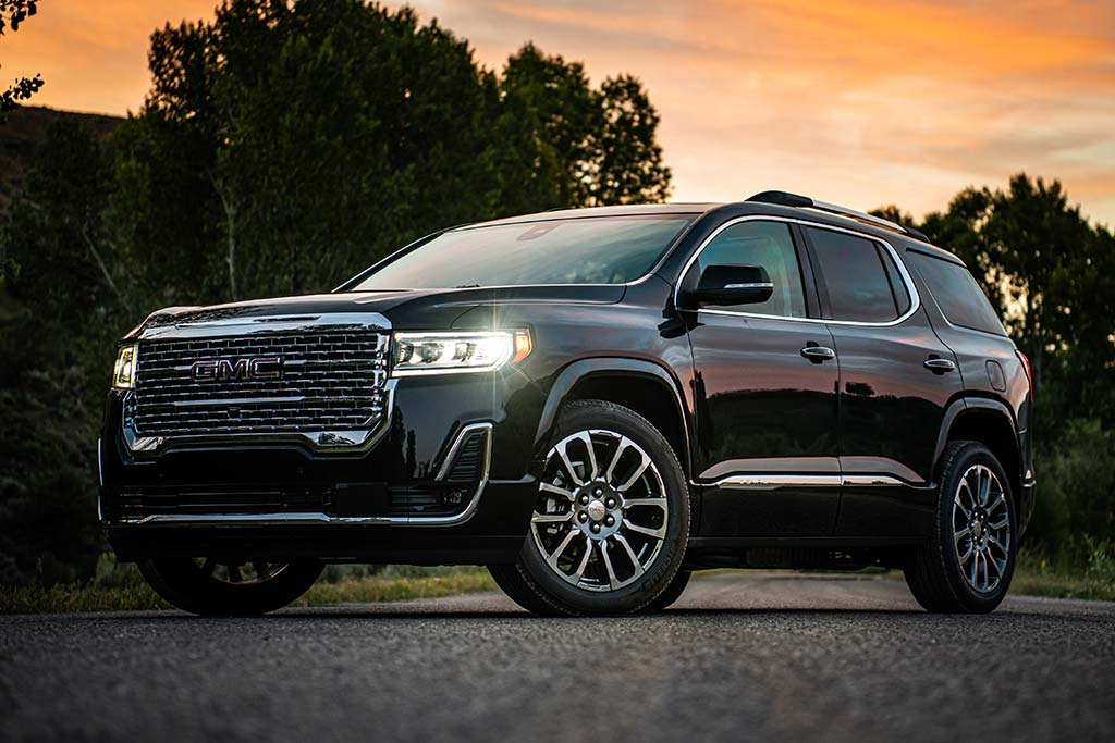2020 GMC Acadia Review featured image large thumb4