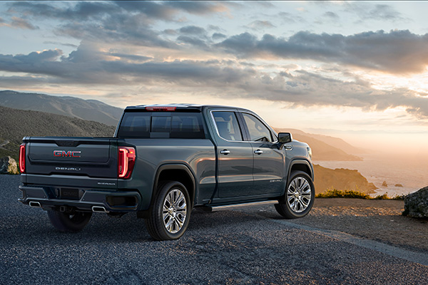 2019 GMC Sierra: More Than a Fancy Silverado? featured image large thumb1