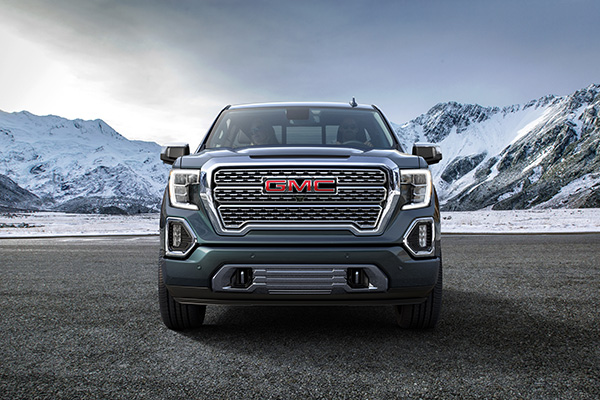 2019 GMC Sierra: More Than a Fancy Silverado? featured image large thumb2