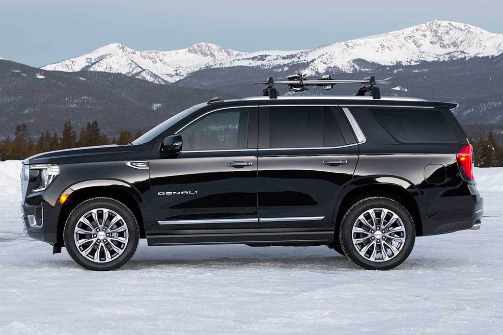 2021 gmc yukon first look  autotrader