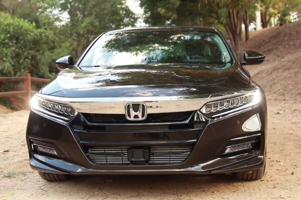 Video | 2018 Honda Accord: What's New? featured image large thumb1