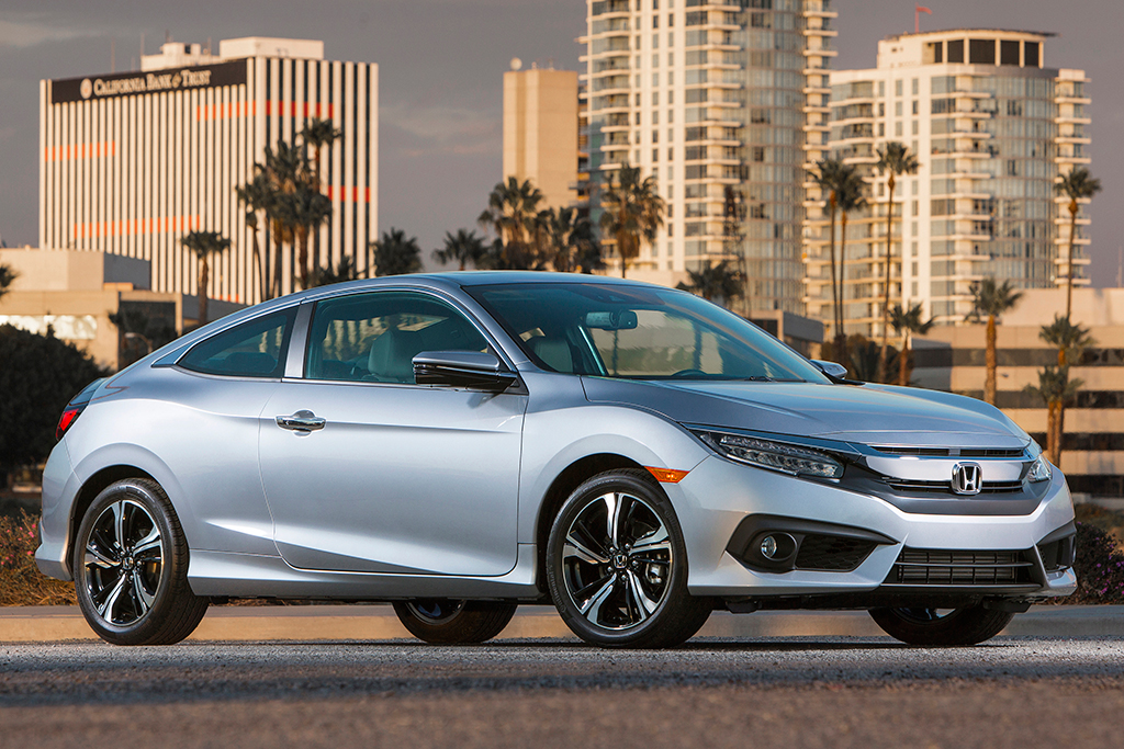 2016 Honda Civic: Used Car Review featured image large thumb3