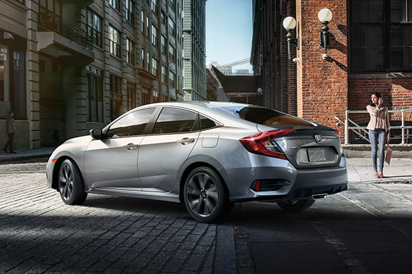 2019 Honda Civic: New Car Review featured image large thumb5