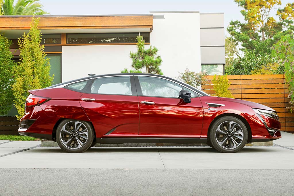 2020 Honda Clarity Review featured image large thumb6