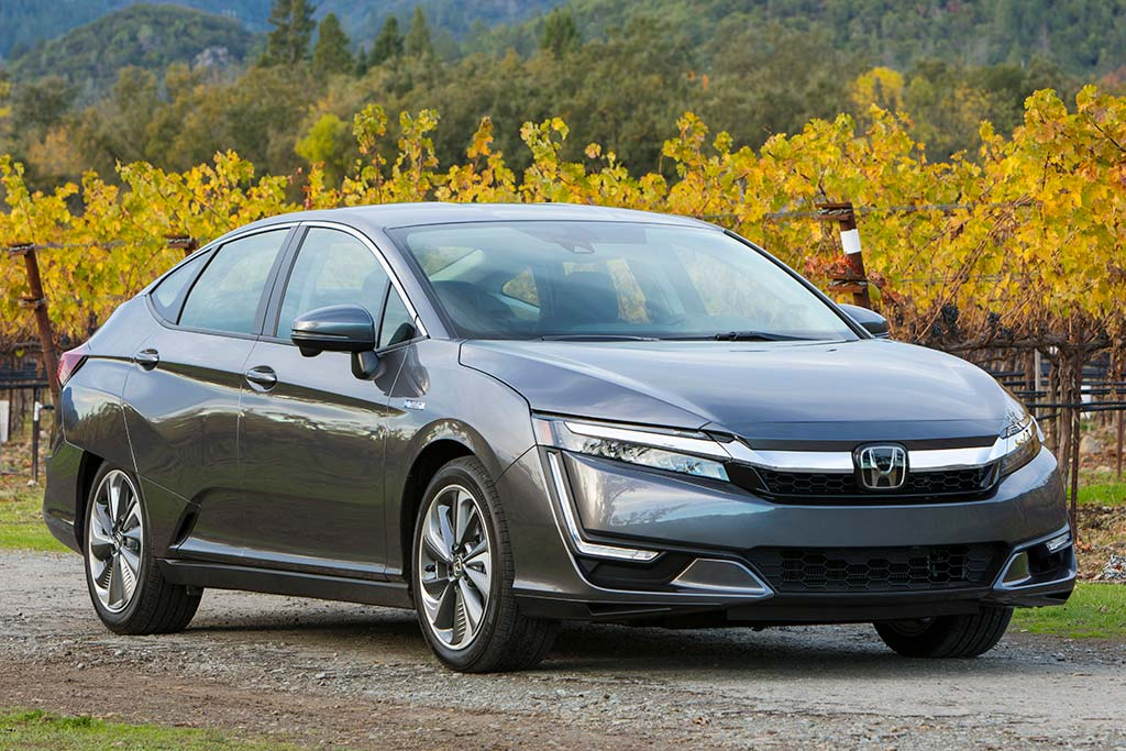 2020 Honda Clarity Review featured image large thumb0