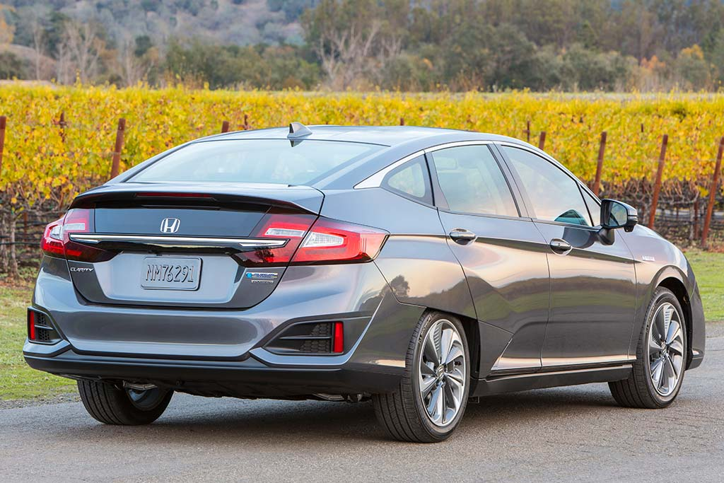 2020 Honda Clarity Review featured image large thumb1